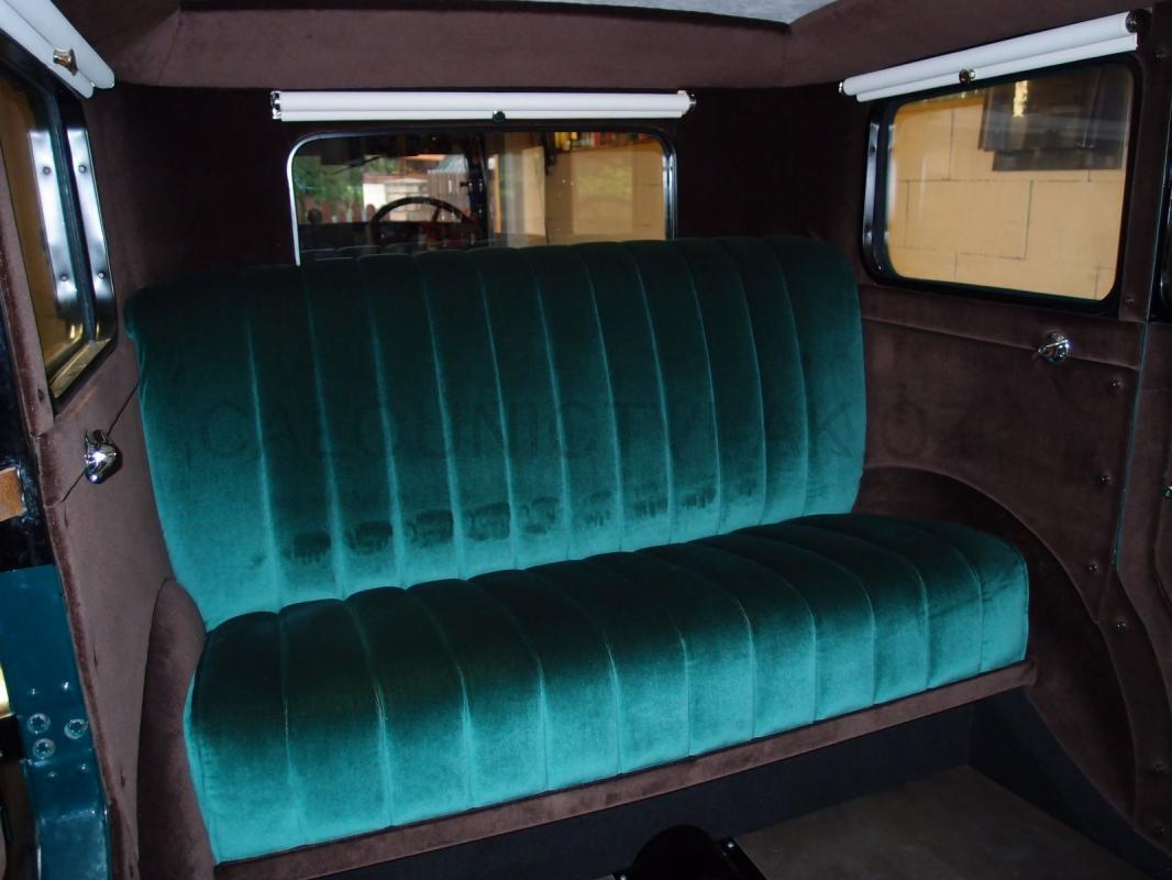 https://www.calounictvi-ak.cz/galerie/calouneni-historickych-vozidel-a-veteranu1568827851.jpg
