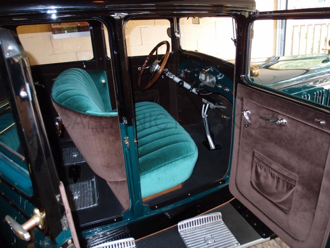 https://www.calounictvi-ak.cz/galerie/calouneni-historickych-vozidel-a-veteranu1568827901.jpg