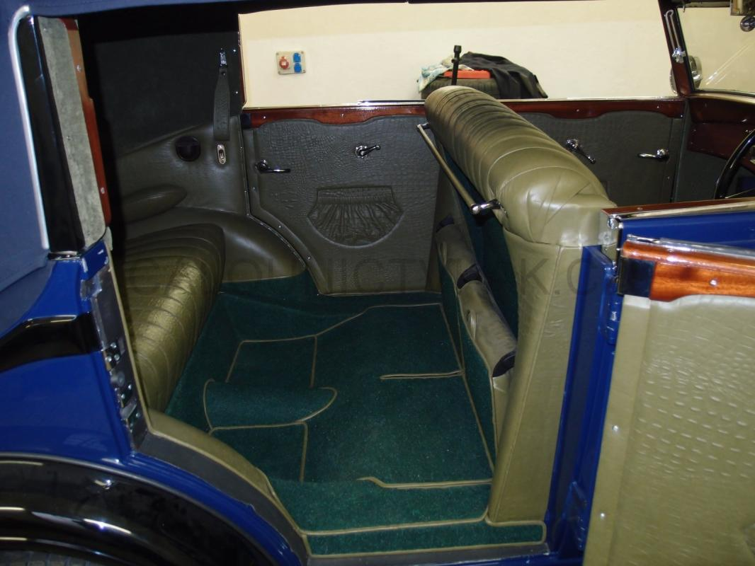https://www.calounictvi-ak.cz/galerie/calouneni-historickych-vozidel-a-veteranu1568827981.jpg